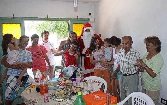 La familia de Julia recibió en su casa a nuestro Papá Noel.