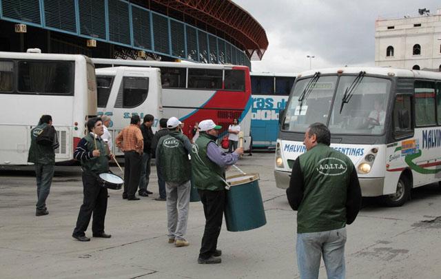 Choferes de los colectivos interurbanos (Foto archivo).