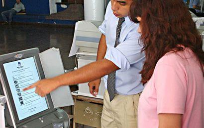 La Falda y Marcos Juárez debutaron con el voto electrónico (Archivo).