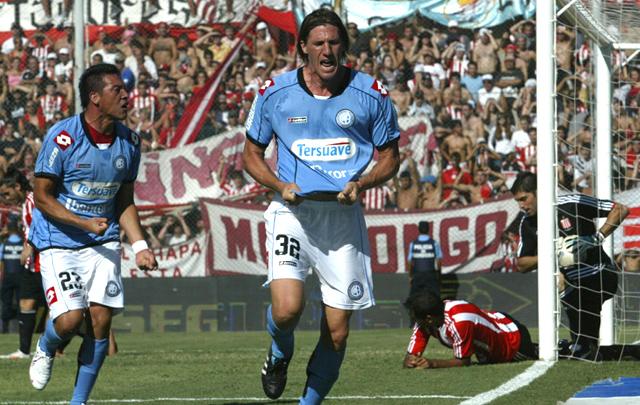 ''El Teté'' González jugó 434 partidos en Primera.
