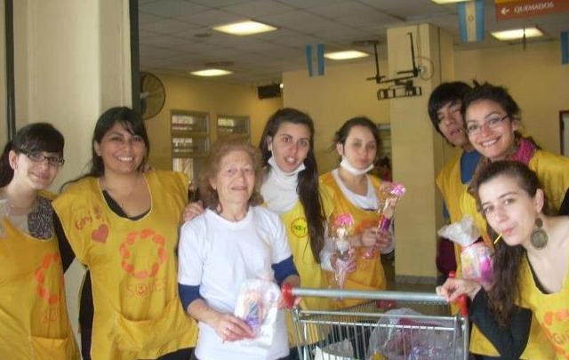 La Fundación Soles asiste a los chicos en el Hospital de Niños Santísima Trinidad.