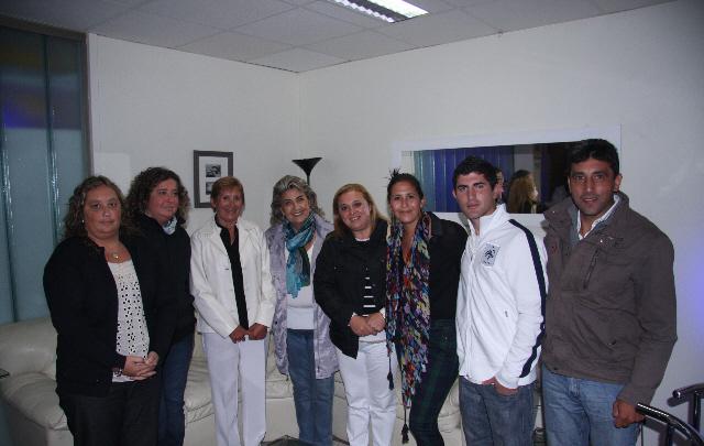 Los cordobeses ganadores del concurso, junto con la alcaldesa Virginia  Reginato.