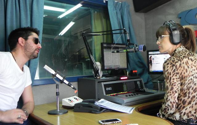 Alex Ubago en los estudios de FM Córdoba.