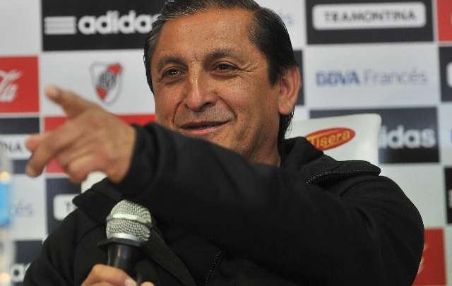 Ramón Díaz se mostró irónico con el DT de Boca.