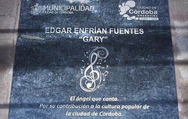 En la placa de Gary habían escrito ''Enfrían'' en vez de Efraín (Foto Darío Heredia).