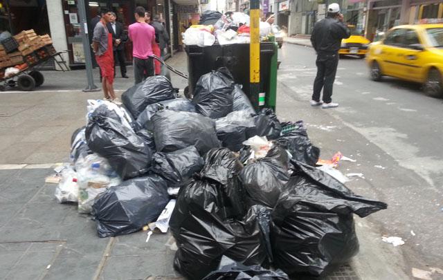 Los comercios céntricos deberán hacerse cargo de la basura.