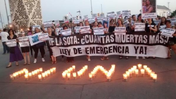 Marcha por Paola Acosta (@VilchesLaura)