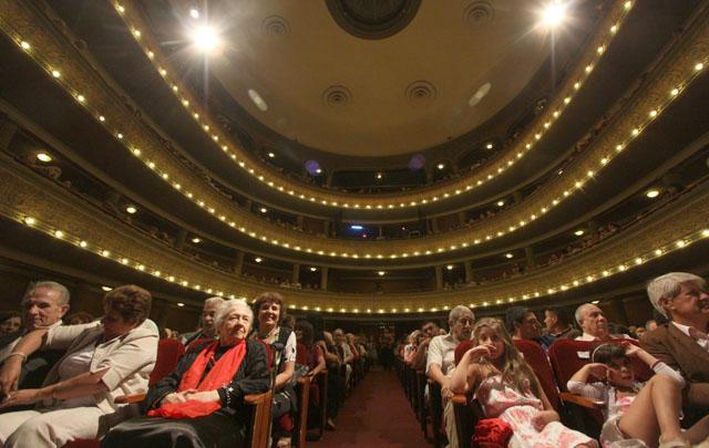 Rony Vargas presentó La Vida Misma en el Teatro Real.