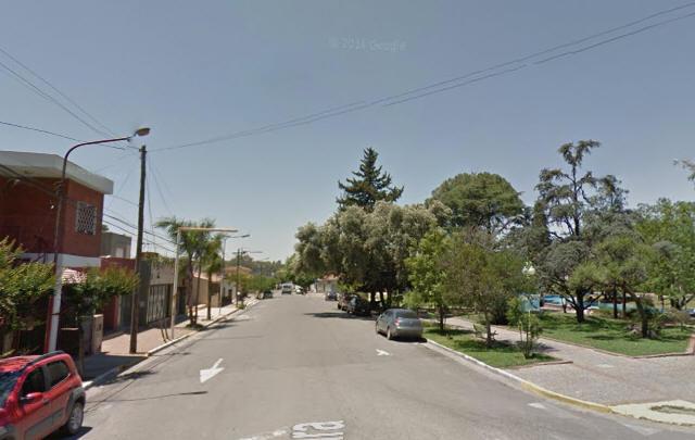 El local está ubicado frente a la plaza principal (Foto: Google Street View)