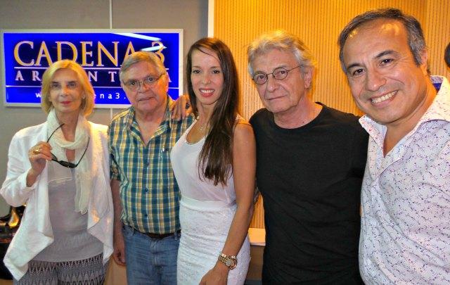El elenco de ''La mujer justa'' visitó ''Viva la radio''.