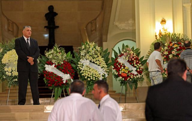 Trasladaron restos de sofovich al cementerio parque de pilar for Cementerio jardin de paz pilar