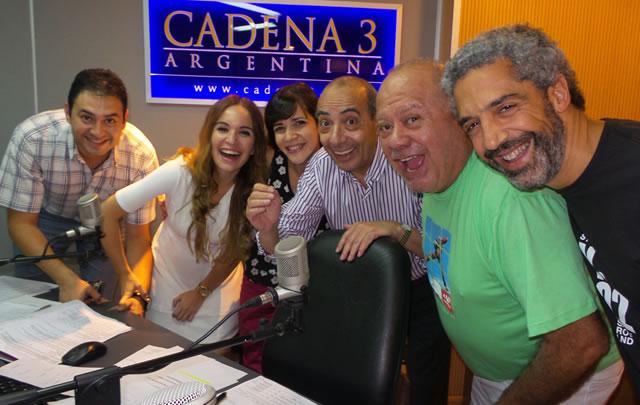 Cacho Buenaventura con el equipo de Juntos.
