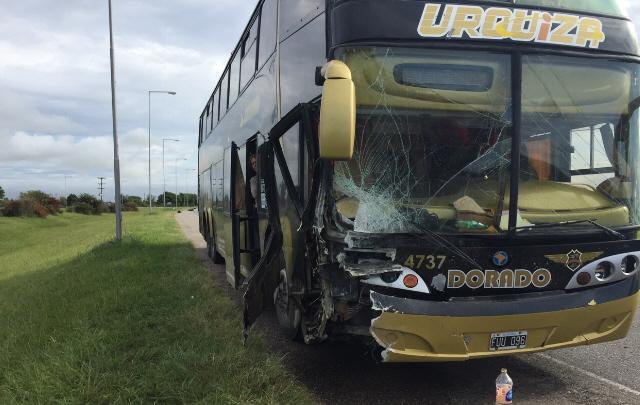 El colectivo partícipe del choque cubría el recorrido Tucumán-Córdoba.