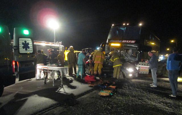 El chofer del micro resultó herido por la colisión (Foto: DiarioSuncha.com)