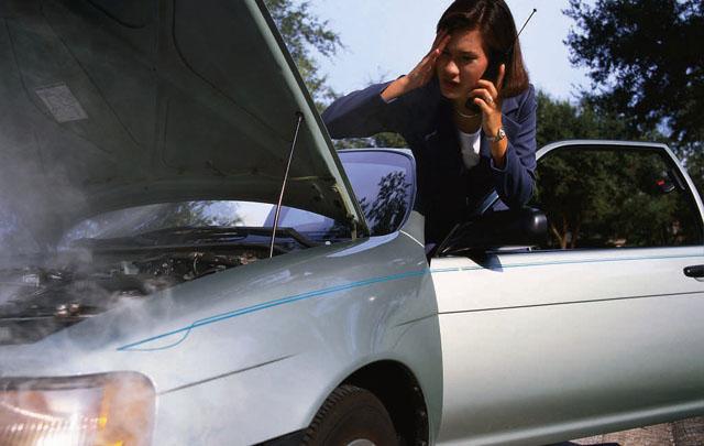 Los delincuentes engañan a los conductores (Foto ilustrativa)