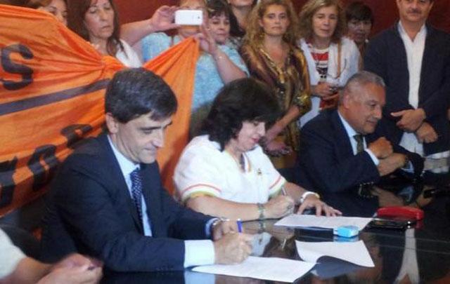 Acuerdo salarial en Tucumán (@gabybaigorri)