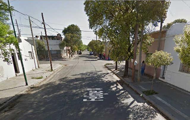 El asalto se produjo en calle Felipe II al 1.400 (Foto: Google Street view)