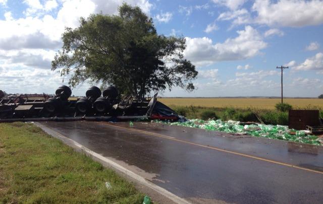 El camión transportaba gaseosas.