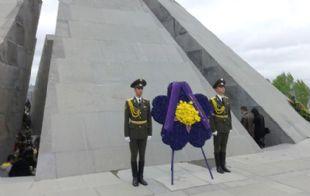 El Tsitsernakaberd es el Obelisco que se erigió en homenaje a las víctimas.