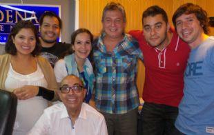 Los miembros de ''Lo de Villalpando'', junto al equipo de Juntos.