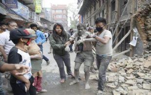 El terremoto en Nepal dejó un saldo de más de 100 muertos (Foto: ABC).