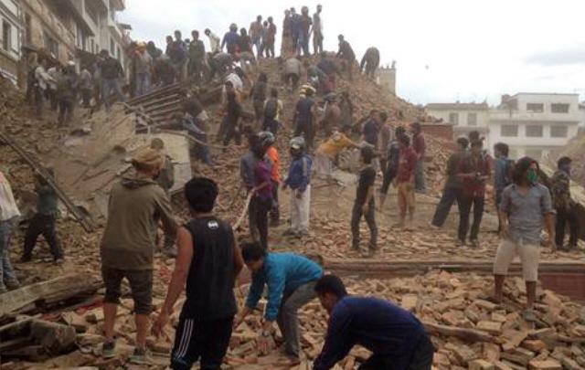 Un fuerte terremoto devastó Nepal.