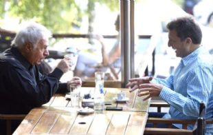 Massa y De la Sota, en un bar porteño (@rialjorge).