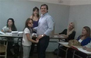 Recalde votó acompañado de su hija mayor.