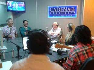 QV4 trajo sus mejores imitaciones a Viva la Radio.