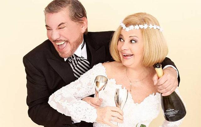 André y González en ''Intimidad indecente'', una comedia dramática.