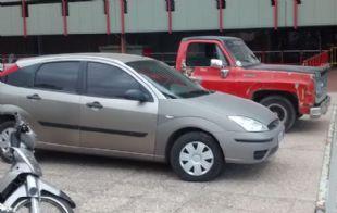 Los vehículos secuestrados, exhibidos en Jefatura de Policía.