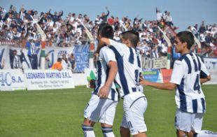 Ezequiel Barrionuevo fue el autor de los dos goles de Talleres.