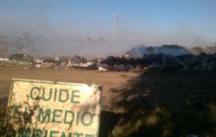 El humo del basural de Pilar, clave en un siniestro fatal.