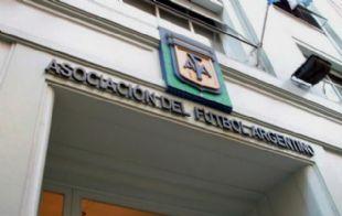 La AFA se comprometió a apoyar el esclarecimiento de las denuncias.