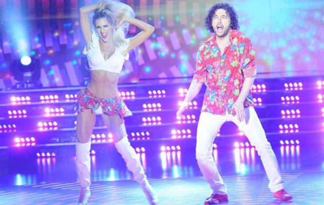 Ergün Demir bailó cumbia en ShowMatch.