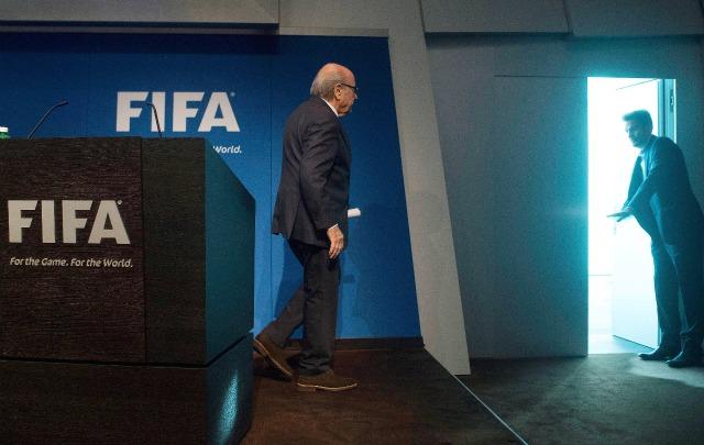 Suspendieron a Blatter por 90 días en la FIFA.