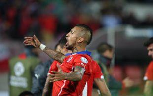 El astro de la Juventus le dedicó la Copa al pueblo chileno.