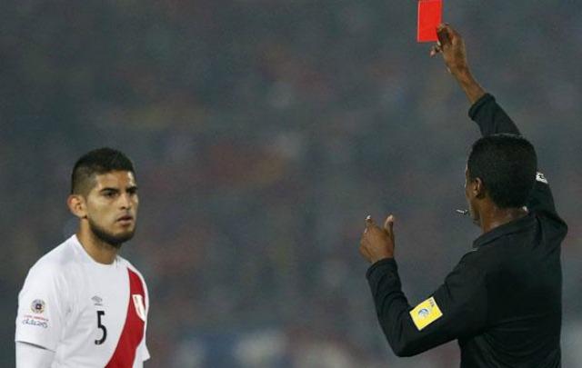 El defensor se responsabilizó por la eliminación de Perú de la Copa.