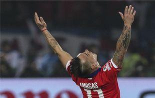 Eduardo Vargas anotó los dos goles de ''La Roja'', el segundo de gran nivel.
