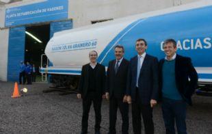 Agustín Rossi y Florencio Randazzo presentaron los nuevos vagones.
