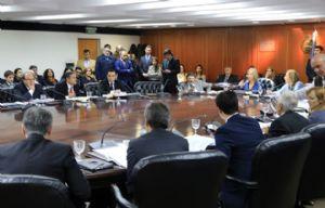 Sesiona el Consejo de la Magistratura con la presencia del juez Cabral.