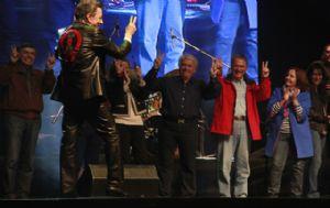 Schiaretti cerró su campaña en el complejo Forja ante una multitud.