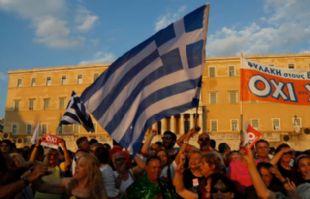 Los griegos irán a un referéndum el domingo.