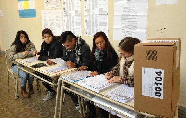 Votarán más de 2 millones de personas en Córdoba.