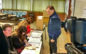 El candidato por el Frente Progresista emitió su voto en Río Cuarto.