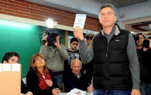 El candidato aprobó el sistema de boleta electrónica.