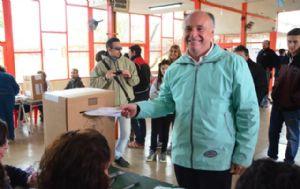 Accastello votó en la escuela Mármol de Villa María.