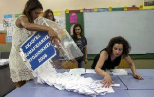 Grecia vota en un crucial referéndum para decidir el futuro económico del país.