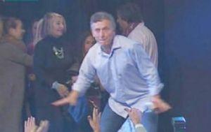 Macri volvió a hacer su ya clásico baile para festejar.