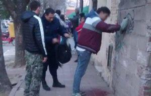 El ladrón linchado detenido (Foto: Gentileza Telediariodigital.com.ar)